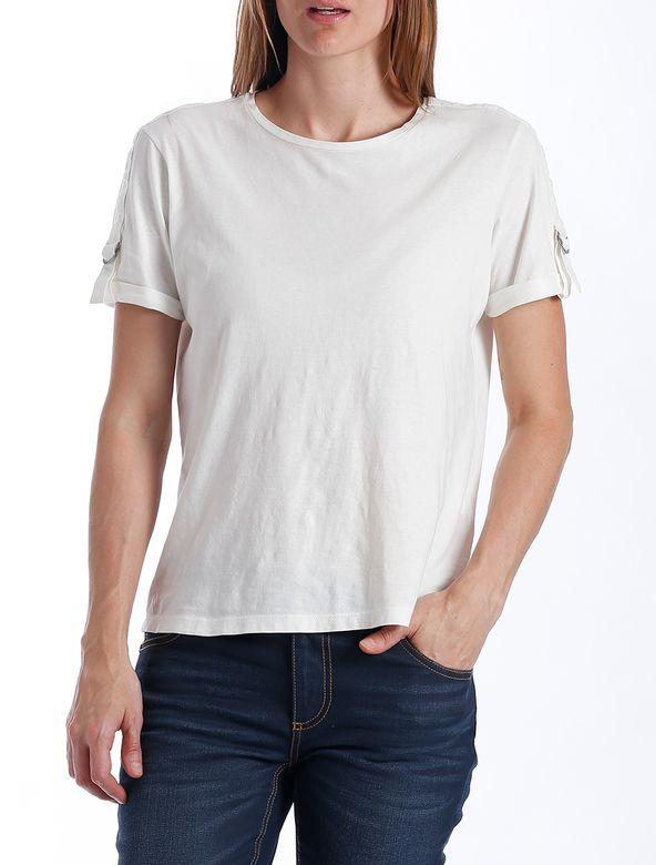 camiseta-mujer-manga-corta-chevignon-701b010-crudo