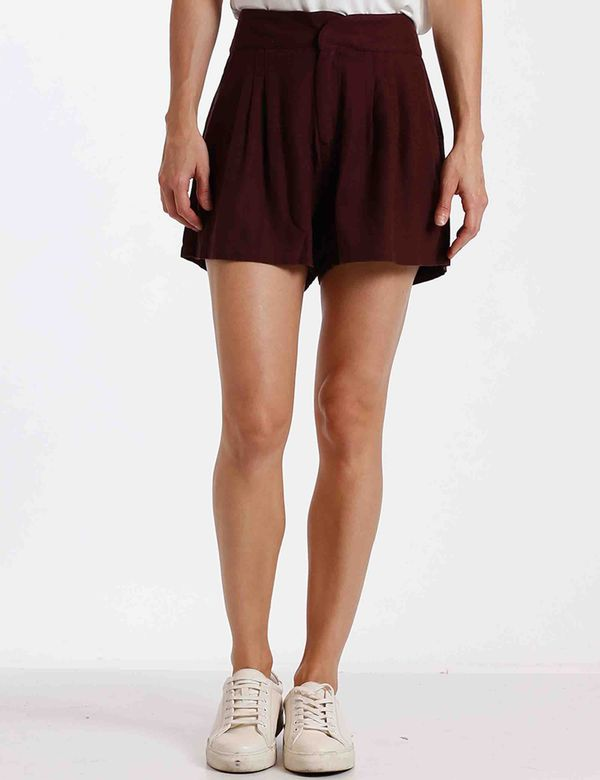 short-mujer-pleated-chevignon-751b001-rojo