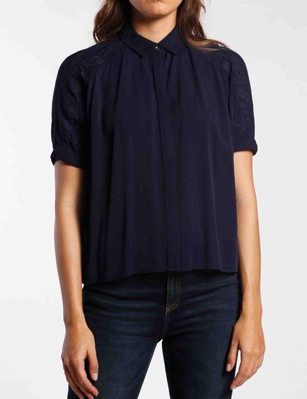 camisa-mujer-manga-corta-chevignon-713a010-azul